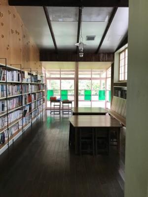 日土小学校 図書室