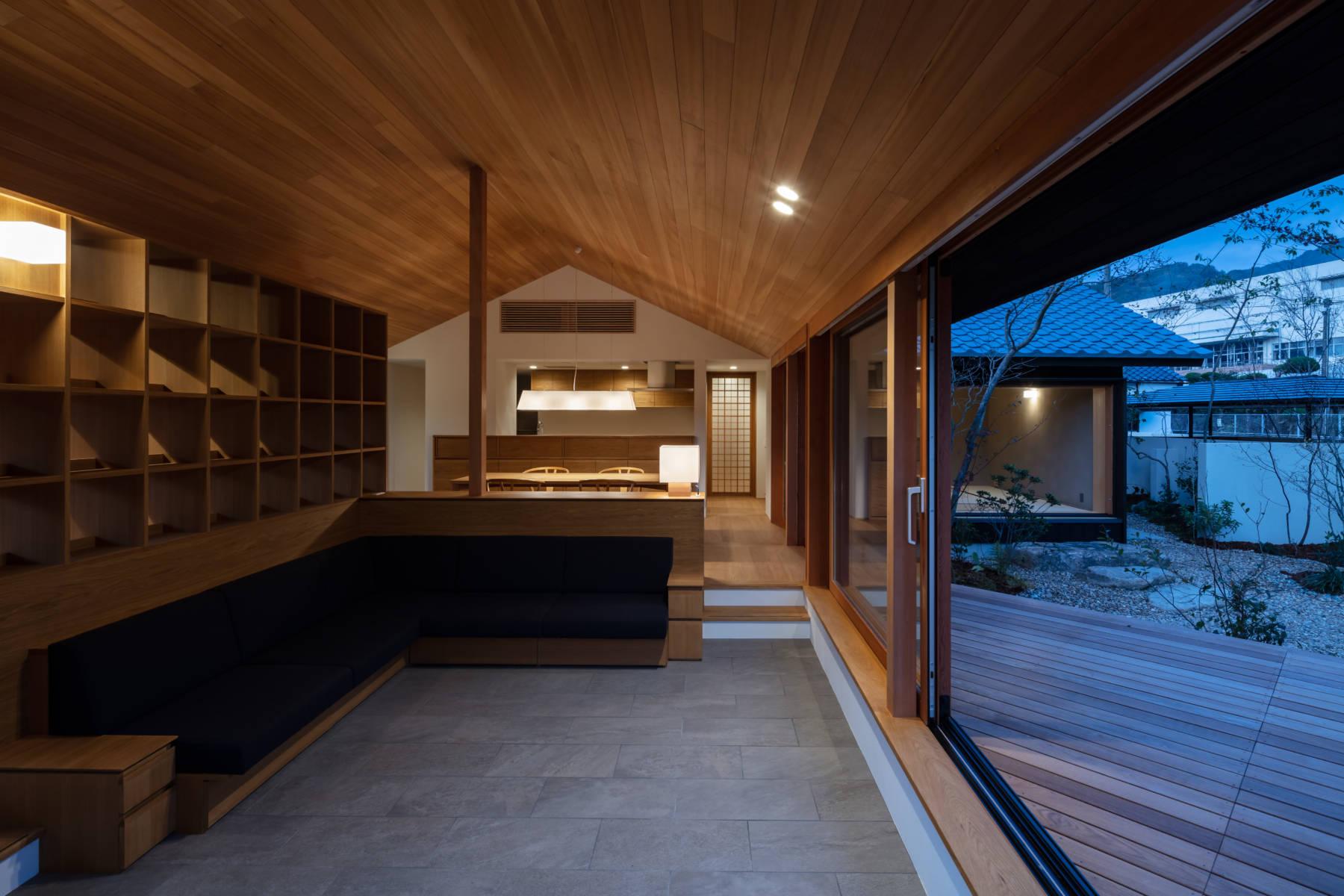 牛窓の家 終の棲家の平屋