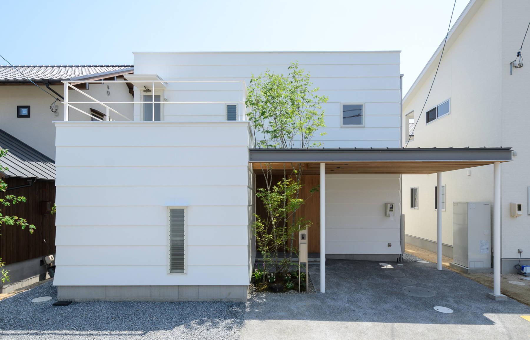 Okayama N.A_House ガレージのあるコンパクトな家